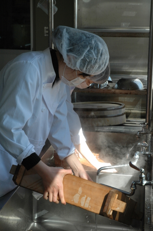 13蒸かした道具を洗う.JPG